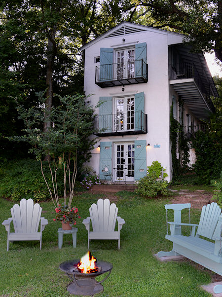 Andre's Riverview Bed and Breakfast